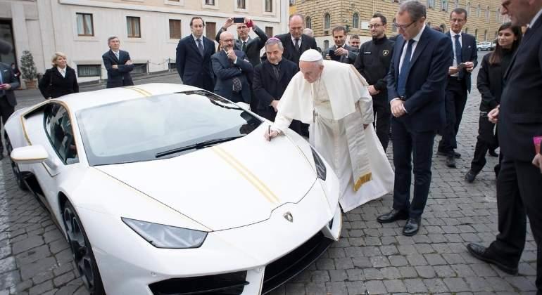 El Lamborghini Huracan del papa Francisco