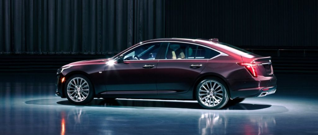 Cadillac CT5 2020 showroom