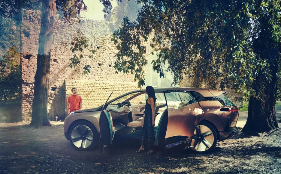 BMW Vision iNext comercial