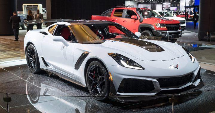 El Corvette Mid-Engine 2020 es casi 200 libras más pesado que el C7 del motor delantero